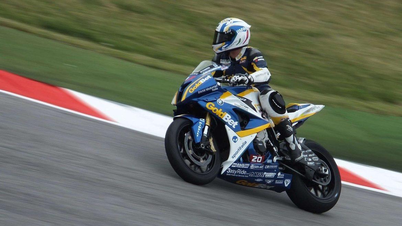 Circuit moto : Comment se lancer dans les courses de motos ?