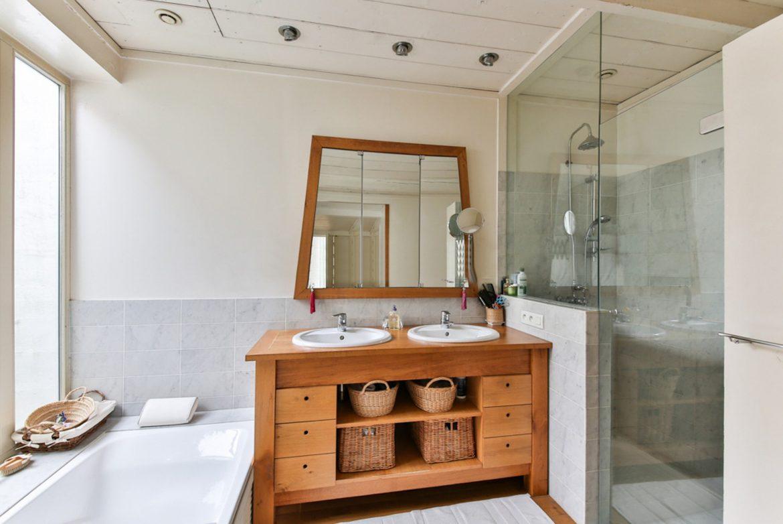 6 erreurs de style de salle de bain à éviter